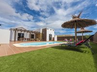 Immaculate villa in good location