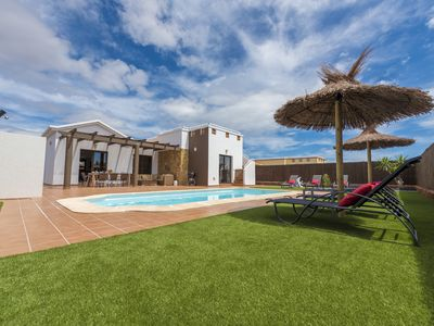 Photo for Luxury 4-Bedroom Villa with Pool, Wi-Fi and Air Conditioning