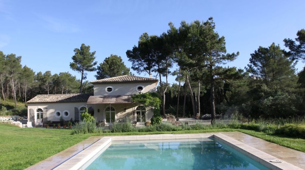 Saint remy de provence charming house in the heart of the for Entretien jardin st remy de provence