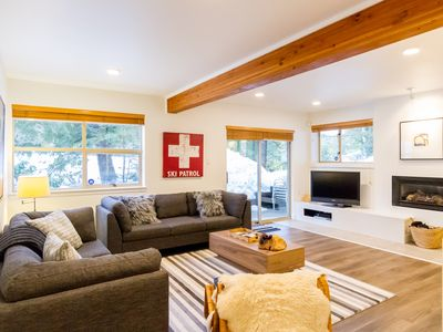 Newly Renovated 2 bed, ski in/out, perfect location for summer & winter!