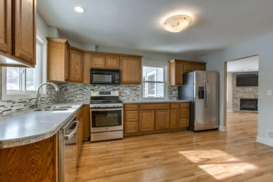 All that midtown charm w/ Chef in mind!  Gas Range, Convection Oven; Nice Space!