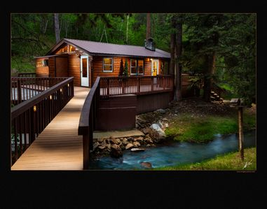 COZY STREAM-SIDE CABIN CENTRALLY LOCATED IN THE NORTHERN BLACK HILLS