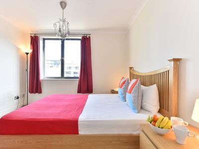 Photo for ApartmentsApart Shad Thames Apartment 1 - Two Bedroom Apartment, Sleeps 6