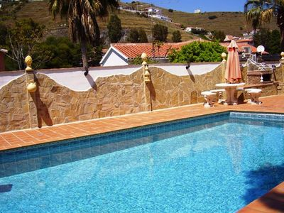 Photo for Family friendly holiday home in a quiet location, barbecue, pool, DSL Internet