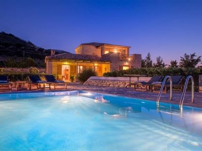 Photo for Spacious and Luxury Villa with Private Pool and Hydro Massage
