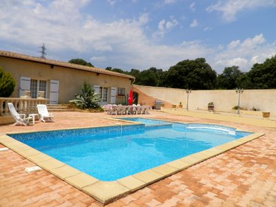 Photo for House of 250 m² (4 rooms air-conditioned) with swimming pool, near Lake Salagou ...