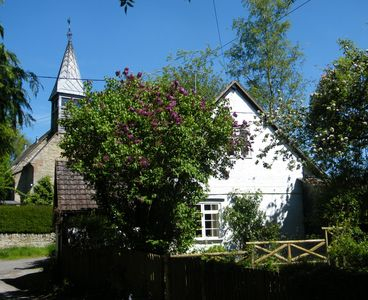 Photo for Cosy 18th Century cottage for couples. Pet friendly