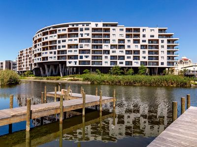 Photo for Waters Edge Superior 1-Bedroom Apartment with View & Convenience
