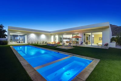 Outstanding contemporary lines, high-end furnishings, and absolutely stunning mountain views