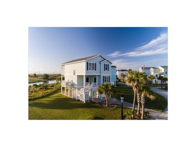 Beachside 4BR/4BA Home - HEATED Lazy River & Right at the Beach Walkover!