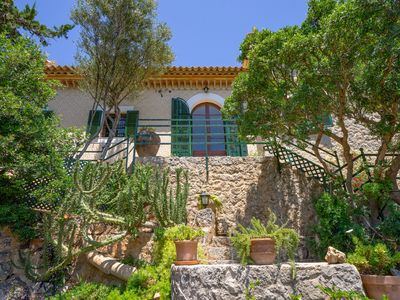 Photo for Rustic&Traditional House between Palma and the sea