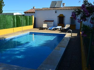 Photo for Mendoza house with private pool