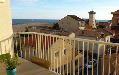 Photo for T2 duplex cabin, sea view 50 m from the beach