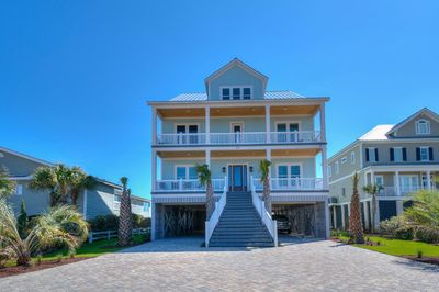 Beautiful Ocean Front home in Cherry Grove beach.