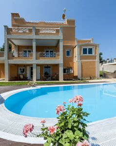 Photo for Luxury villa for 10, panoramic view, private pool