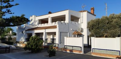 Photo for Large villa with private pool near the beach. 9 beds + BB.