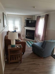 2 Bedroom Property with Views of RONDEAU BAY
