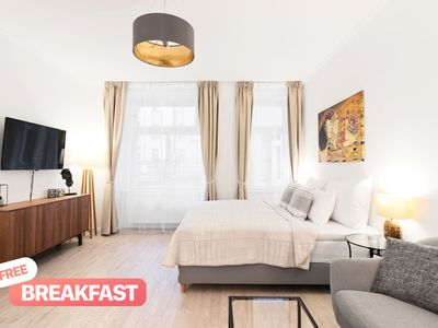 Charming Apartment by the River, Breakfast included