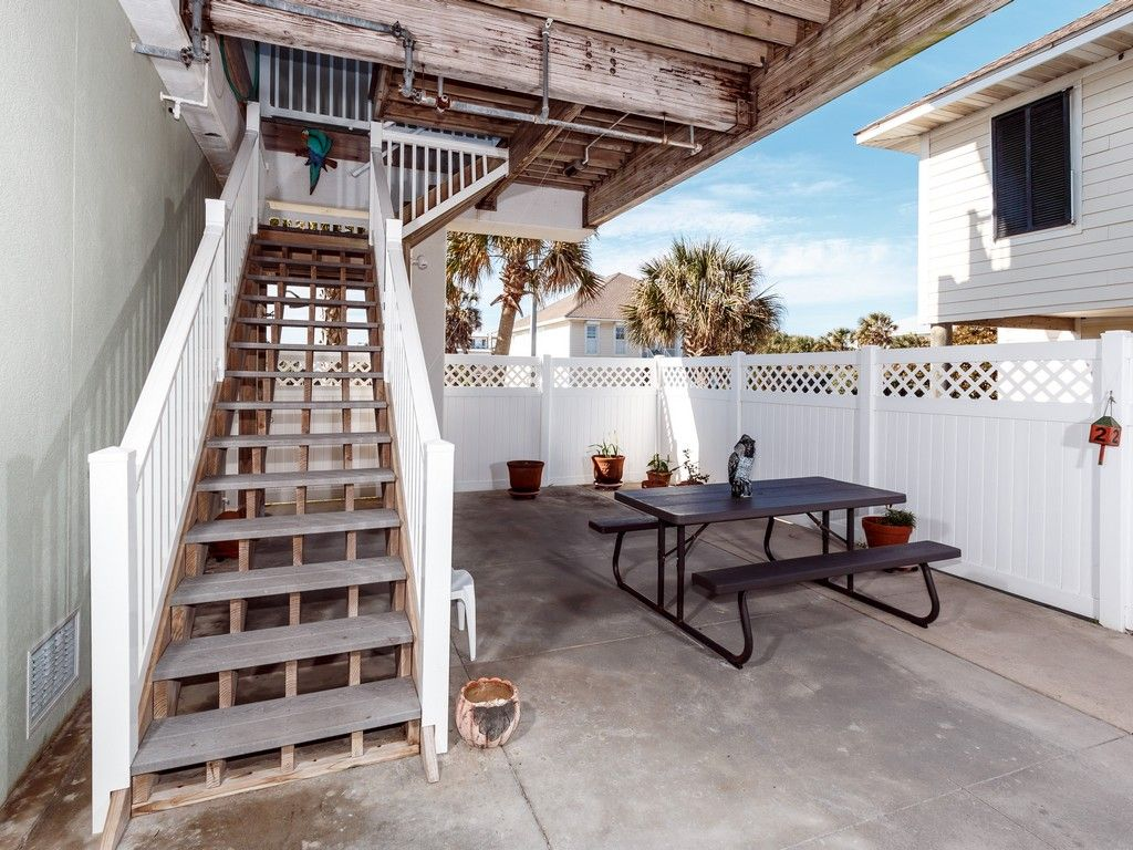 4 bedroom Townhome, Right On The Beach! AVAILABLE for 2018! BOOK NOW!
