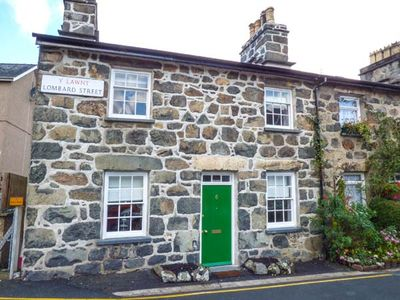 Photo for BRO DAWEL, pet friendly, with open fire in Dolgellau, Ref 938075