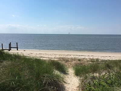 This bay access is just a few steps from the house!
