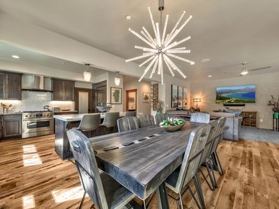 Photo for Amazing 6 Bedroom Home With Ideal Location