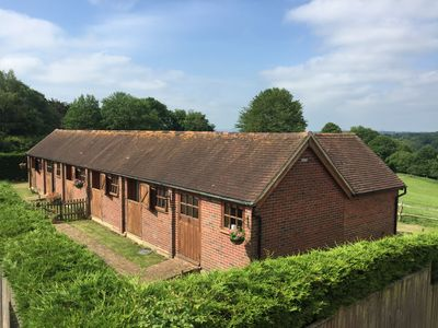 Photo for THE RACING STABLES, pet friendly in Bodle Street Green, Ref 933198