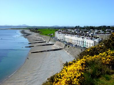Photo for 4BR Cottage Vacation Rental in Criccieth