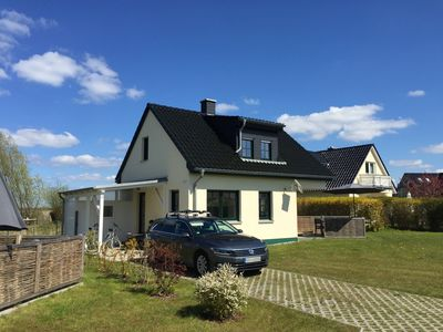 Photo for Quiet holiday home directly on the Baltic Sea near Warnemünde