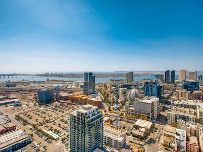 Exotic 2 Bedroom Apartment in San Diego