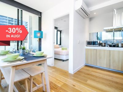 Photo for A Modern & Homely CBD Suite with a Pool & Gym