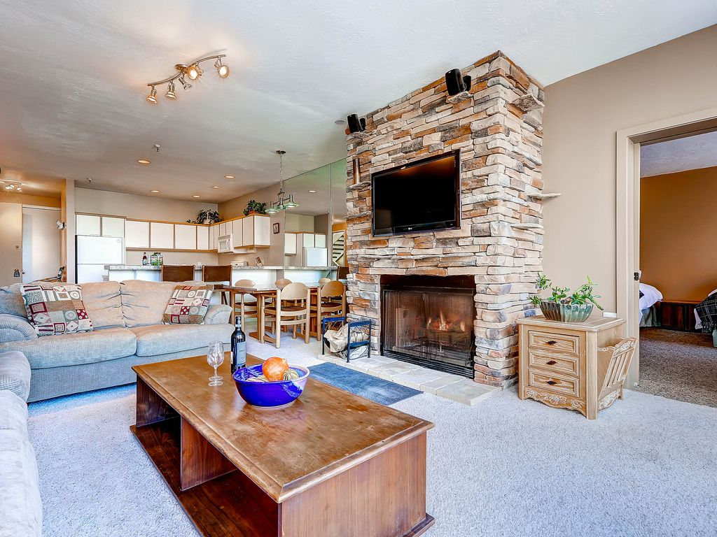 gorgeous ski in ski out condominium with wood fireplace and and