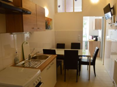 Photo for Central Comfortable 3 Bedroom Apartment