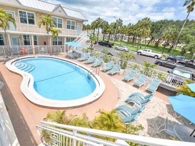 Refresh your senses. Exceptional condo on beautiful beach