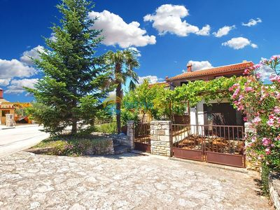 Photo for Apartment 533/1275 (Istria - Stinjan), Budget accommodation, 500m from the beach