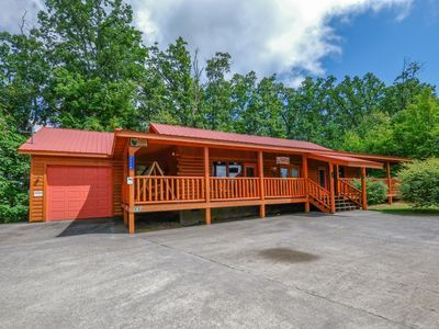 Photo for Head for the Mountains and Paul's Paradise!  Just Minutes from downtown Gatlinburg.