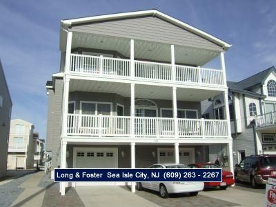 Photo for Fully equip includes 2 mastersuites, front and back decks, large closets, breakfast bar, offstreet parking, and pet friendly.