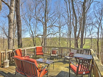 Unwind On The Deck Of This Dickson Vacation Rental Condo!