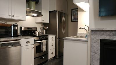 Efficient galley kitchen, everything you need at your fingertips