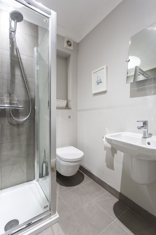 First Street II - luxury 2 bedrooms serviced apartment - Travel Keys