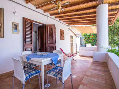 Photo for House with patio a few steps from the sea