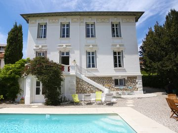 Stunning 19th century classic Cannes villa - recently renovated