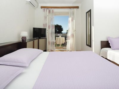 Photo for One bedroom apartment with balcony and sea view Podgora, Makarska (A-4332-b)