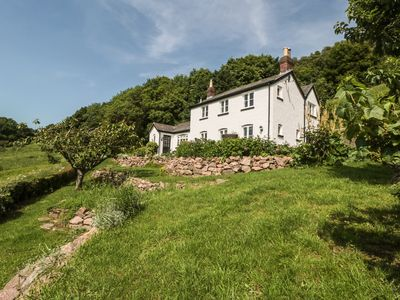 Photo for Lilac Cottage, MALVERN