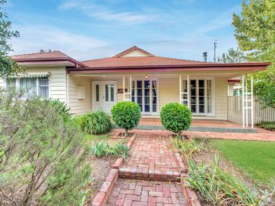 Photo for Ayr House -  Cosy central Echuca Holiday Home