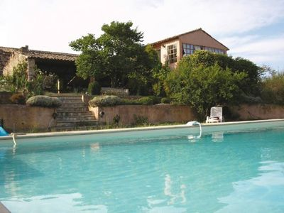 Photo for Independent gite, with terrace and breathtaking views of the Luberon, swimming pool