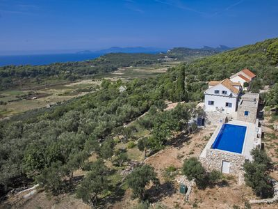 Photo for This 5-bedroom villa for up to 10 guests is located in Orebic and has a private swimming pool, air-c