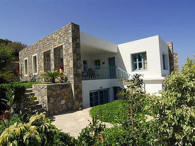 Photo for 4 bedroom Villa, sleeps 8 in Mochlos with Pool, Air Con and WiFi