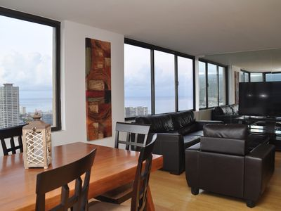 NEW! Waikiki 2/2 Penthouse with Ocean views.