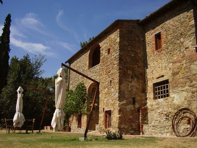Photo for Charming Independent villa in Tuscany with private pool for 7 persons 3 bedrooms